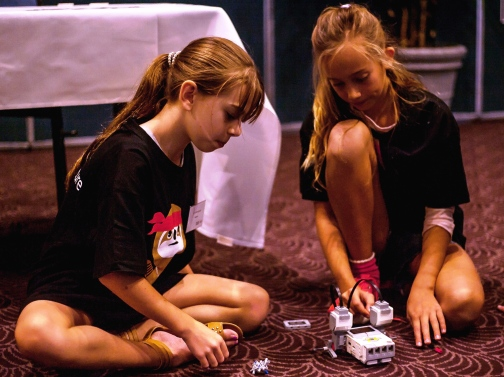 Girls are great at Robotics - thanks to FIRST and Macquarie for bringing the Robotics to Coffs Harbour